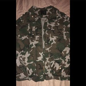 Jackets & Blazers - Camouflage jacket OFFERS ARE OPEN 👋🏻😇👋🏻